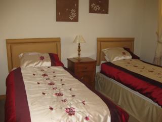 Violets, Montrose: Lovely 2 bedroomed apartment - Montrose vacation rentals