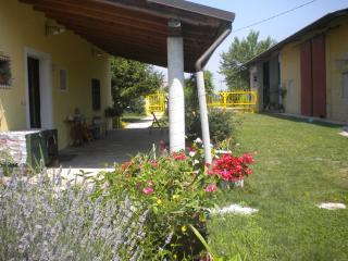 Aquileia B & B Balzano x 4 - Terzo d'Aquileia vacation rentals