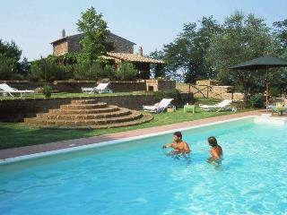 Bright 4 bedroom Villa in Vitorchiano with Internet Access - Vitorchiano vacation rentals