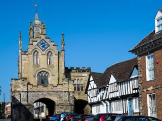 The East Gate and St Peter's Chapel - Warwick vacation rentals