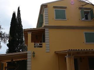 ARIEL - Ipsos vacation rentals