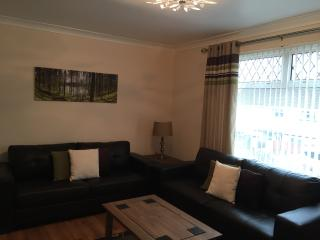 Lovely House in Merthyr Tydfil with Satellite Or Cable TV, sleeps 6 - Merthyr Tydfil vacation rentals
