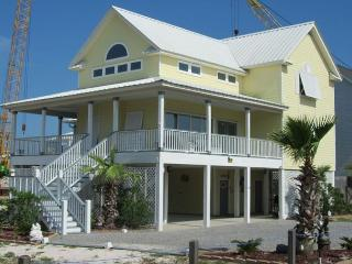 Now Available for 7/23-7/30!! Lagoon Front w/ Boat Launch!  Sleeps 12!! - Gulf Shores vacation rentals