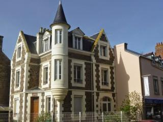 "New flat in beautiful ""Malouinière"" - 40m² for 4 - Saint-Malo vacation rentals"