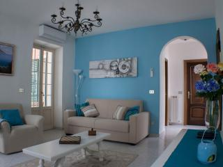 Beautiful Condo with Internet Access and A/C - Coreglia Ligure vacation rentals