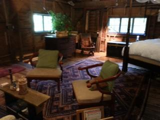 Rivers end room in the barn at chestnut lodge - Lee vacation rentals