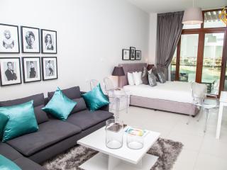 Brand New Palm Views Studio, Palm Jumeirah Dubai - Dubai vacation rentals