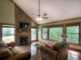 LUXURIOUS MOUNTAIN CABIN - Gatlinburg vacation rentals