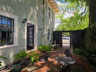 Gorgeous Home With Old World Charm, Courtyard & FREE WiFi - Savannah vacation rentals