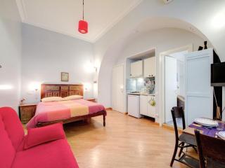 Aventino-Testaccio Sibilla-Bis, 3 bedroom and 3 bathroom inside city center - Roma vacation rentals