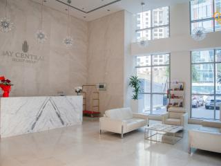 New Modern 1 B/R Apt Near Metro, Dubai Marina - Dubai vacation rentals
