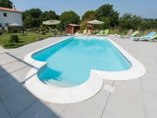 Appartement Sanguine : piscine, plage à pieds,golf - Antibes vacation rentals