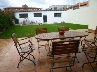 Nice House with Dishwasher and Garden - Burgos vacation rentals