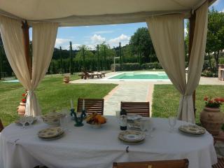 Tuscan Family Villa Castiglioni, Pool easy access - Cortona vacation rentals