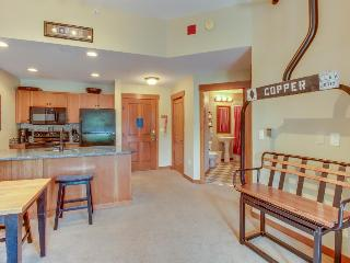 Modern, clean ski condo w/ shared hot tub & pool - walk to the slopes! - Copper Mountain vacation rentals