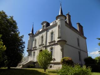Manoir 4* : 6 chambres, billard, wifi, confort - Ahun vacation rentals