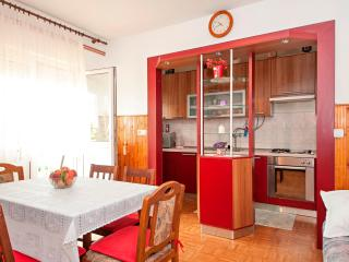Adorable & Tidy Apartment 10km from Split for 10 - Kastel Sucurac vacation rentals