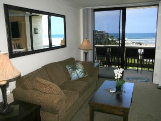 Nice House with Internet Access and Shared Outdoor Pool - Oceanside vacation rentals