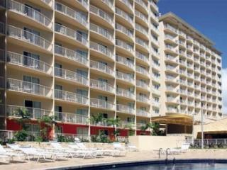 Beautiful Wyndham Condo at Waikiki Beach - Honolulu vacation rentals