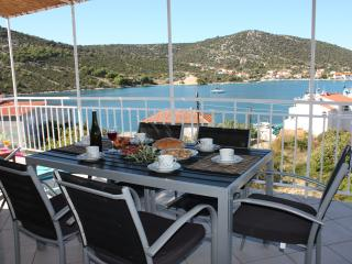 Apartman Vitanov - Vinisce vacation rentals