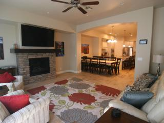 1st Class Luxury Home Heated Pool/Hot tub sleeps16 - Saint George vacation rentals