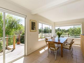 Gorgeous Guest house with Deck and A/C - Bells Beach vacation rentals