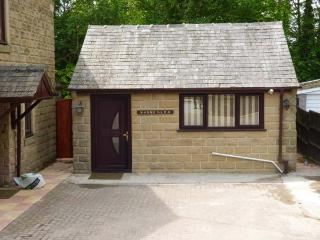 WARNEY LEA FLAT, four poster bed, wet room, good touring base in Matlock, Ref 926691 - Matlock vacation rentals