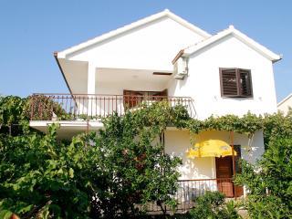 2654  A1(4)-Donji - Okrug Gornji - Okrug Gornji vacation rentals
