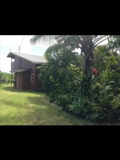 Romantic 1 bedroom Naalehu House with Deck - Naalehu vacation rentals