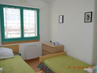 Romantic 1 bedroom Courseulles-sur-Mer Apartment with Refrigerator - Courseulles-sur-Mer vacation rentals