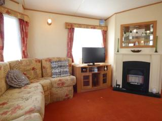 Nice Caravan/mobile home with Short Breaks Allowed and Toaster - Skegness vacation rentals
