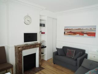 Perfect Condo with Internet Access and Short Breaks Allowed - Paris vacation rentals