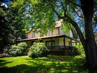 OVR'S Marietta House-1920's Farm House w/ Scenic Views of Sugarloaf Mountain! - Ohiopyle vacation rentals