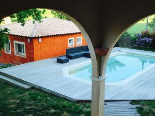L'arche en Provence, gîte 7 personnes avec piscine - La Crau vacation rentals