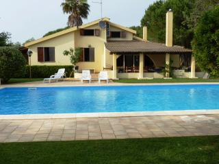 Bright 5 bedroom Alghero Villa with Internet Access - Alghero vacation rentals