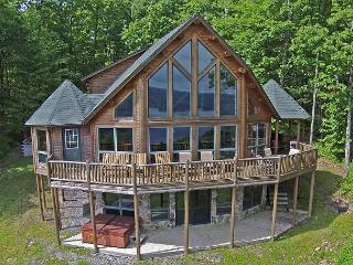 Exquisite 5 Bedroom Log Home with phenomenal lake views! - McHenry vacation rentals