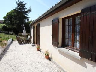 Le Petit Arlequin - Gite with heated pool in Duras - Duras vacation rentals