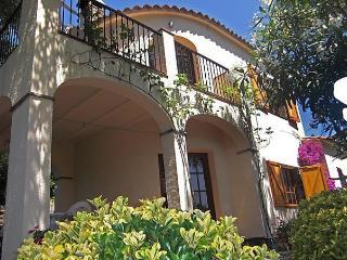 Cabanyes G31 - Calonge vacation rentals