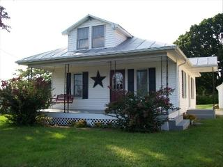 The Hillside Cottage - 4 miles from Hershey Park - Hershey vacation rentals