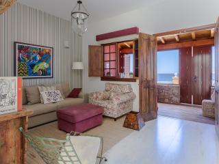 Increíble apartamento en primera línea de mar - Telde vacation rentals