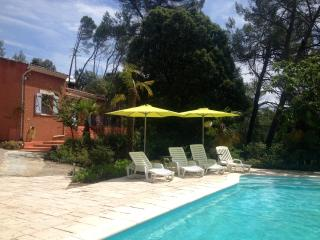 Charming Villa with Internet Access and Satellite Or Cable TV - Sillans-la-Cascade vacation rentals