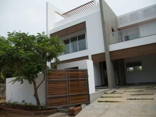 Adorable 4 bedroom Kanathur Villa with A/C - Kanathur vacation rentals
