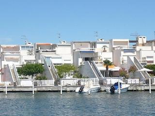 Marinas d'Ulysse II - Le Grau Du Roi vacation rentals