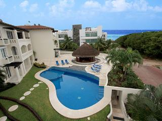 4 Bedroom Condo Only 1 Block the Beach -Sol 6 - Playa del Carmen vacation rentals