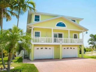 Bright 3 bedroom House in Anna Maria - Anna Maria vacation rentals