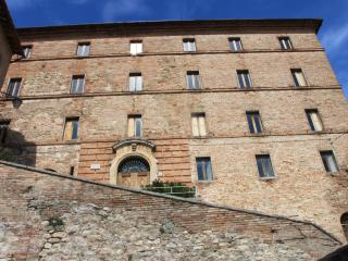 2 bedroom Townhouse with Television in Montefortino - Montefortino vacation rentals