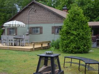 Sauble Beachside Retreat - Sandy Trail Lodge - Sauble Beach vacation rentals