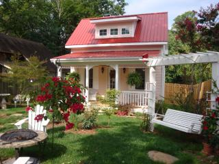 The Country Girl - Black Mountain vacation rentals