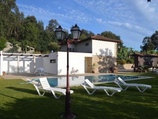 Quinta de ataide Turismo Rural  com piscina - Braga vacation rentals