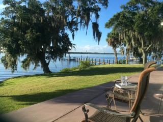 Princess Hana Villa on the Manatee River- 2 Bedroom 2 Bathroom - Ellenton vacation rentals
